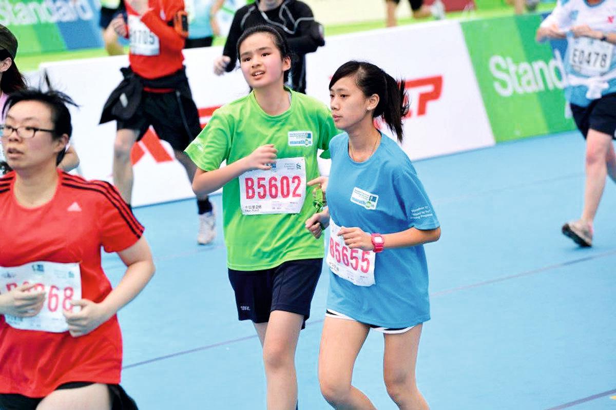 蕭凱恩不受視障局限,多次參與大型長跑賽事
