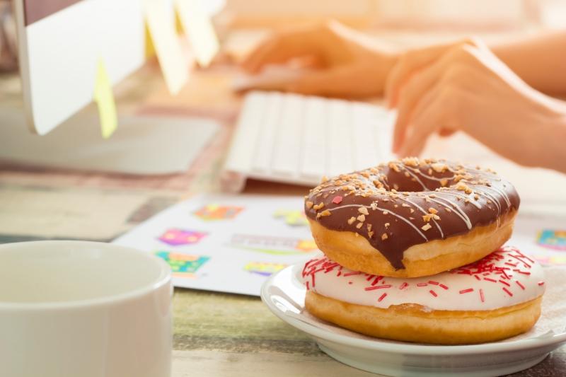 以運動對抗辦公室零食 擺脫情緒性飲食失控
