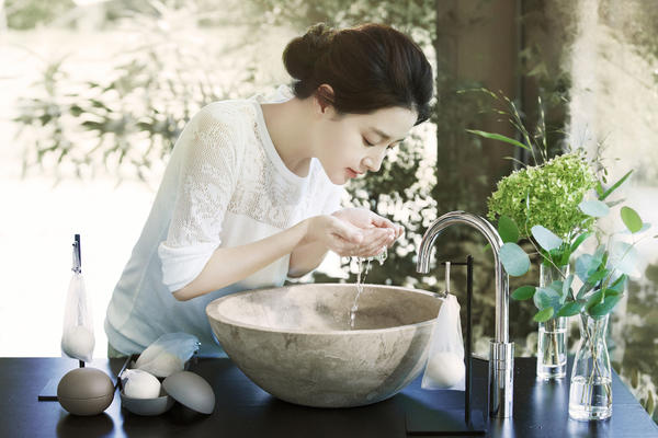天然女神李英愛  傳授保養美肌法